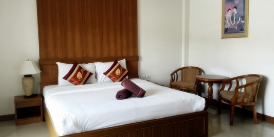 30 room hotel with restaurant for rent in Patong