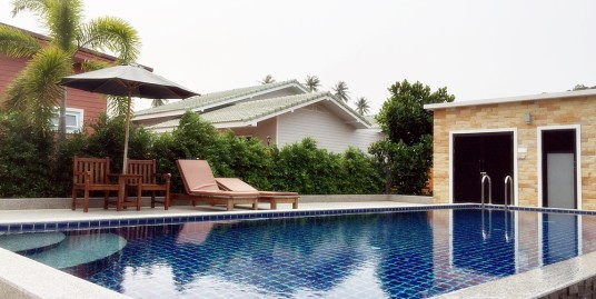 Brand new shared pool 2 bedroom villa in Chalong for rent