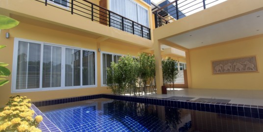 4 bedroom villa with swimming pool for long term rent in Rawai