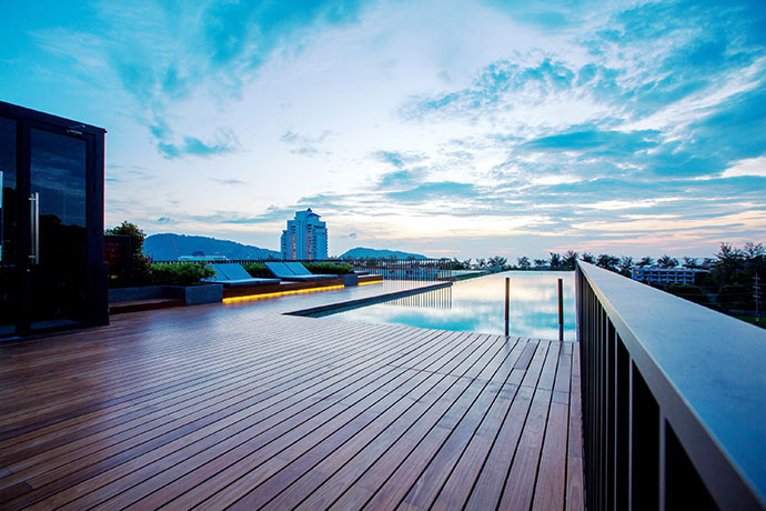 A cozy 1 Bedroom apartment with Swimming Pool view for sale in Patong