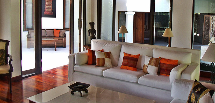 12. Surin Seven - Living Area