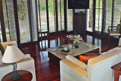 13. Surin Seven - Living Area