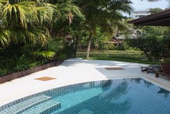 8. Surin Seven Childrens Pool & Terrace
