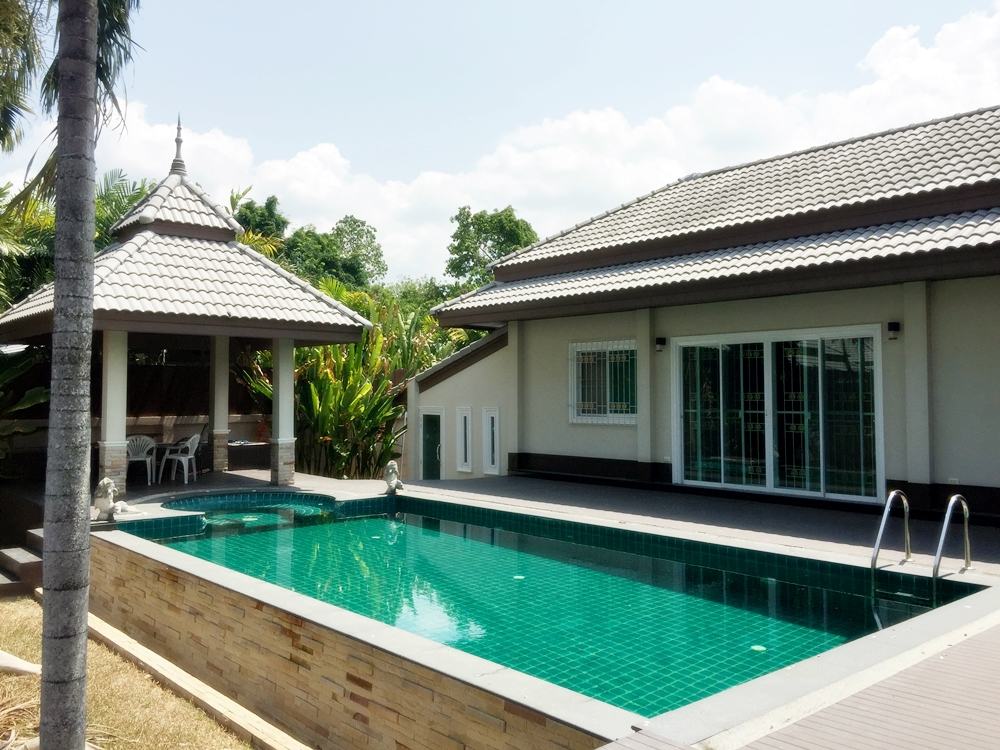 Private Pool Villa 3 Bedroom for rent 5 minutes drive to Monument
