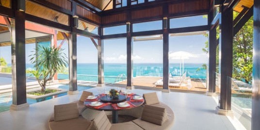 Luxurious Fusion of Thai Architecture and Classically Modern design at Nai Thon Beach