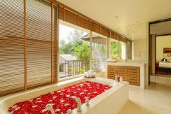 Master_Bedroom_Bathroom_e
