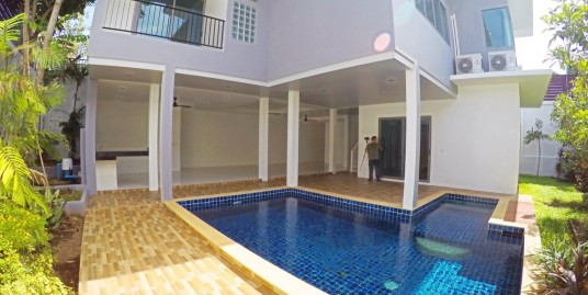 Brand New Pool Villa with 3 Bedroom for sale in Nai Harn