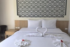 16 room guest house with lift in Patong