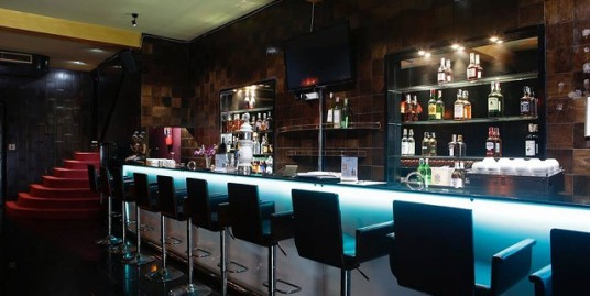 Lounge bar for sale in Bangla Road