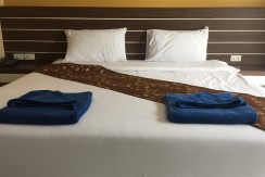 24 room hotel with restaurant 100m to Patong beach