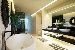 master-bathroom-002
