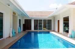 4 Bedroom Pool Villa Contemporary interior for rent in Chalong