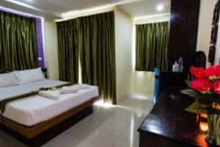 26 room guest house with restaurant for rent in Patong