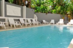 25 room guest house with pool and restaurant for rent in Patong