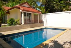Tropical pool villa in Loch Palm area for sale