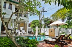 Pool Villa 3 Bedroom + maid room 10 minutes walk to Surin & Bangtao Beach