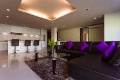 2 Bedrooms Penthouse Fully Furnished Price 9.5 MTHB 10 minutes walk to Patong Beach