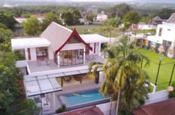 Luxury 4 Bedroom Pool Villa for Holiday rent