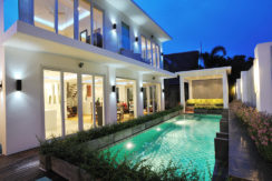 Modern villa with Golf View 16.5 million on Loch Palm Golf Course