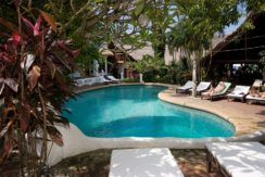 Guest House with pool and restaurant in Nai Harn